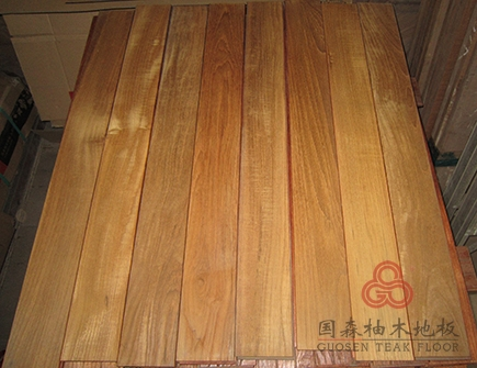 > 正宗缅甸进口柚木 实木地板 素板 560长