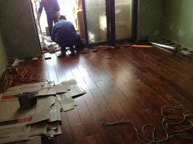 感谢:廖先生拍照位于上海柚木地板的住所-用国森柚木地板品牌安装