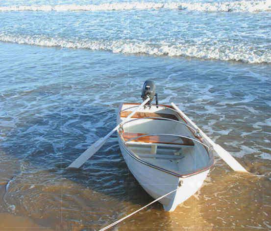感谢:方先生拍照位于珠海柚木船甲板的快艇上-用国森柚木地板品牌安装