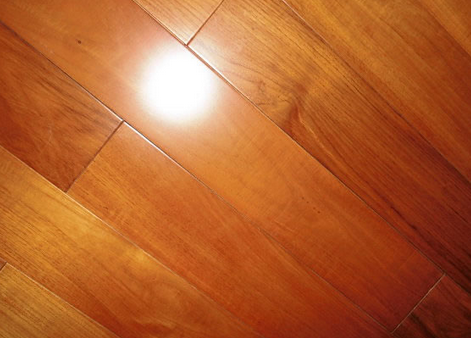 感谢:长春白女士拍照位于吉林长春缅甸柚木地板的住所-用国森牌地板安装